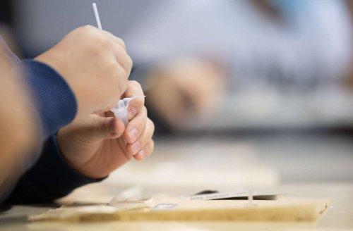 Coronatests an Schulen Stuttgart: Warum wird jetzt drei Mal in der Woche getestet?