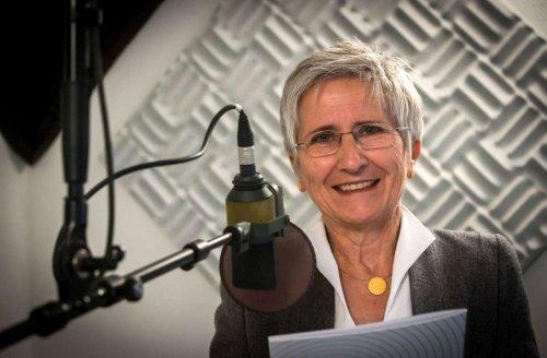 """Lucie Panzer greift Kollegen an: Ex-Rundfunkpfarrerin: """"So braucht es keine Kirche"""""""