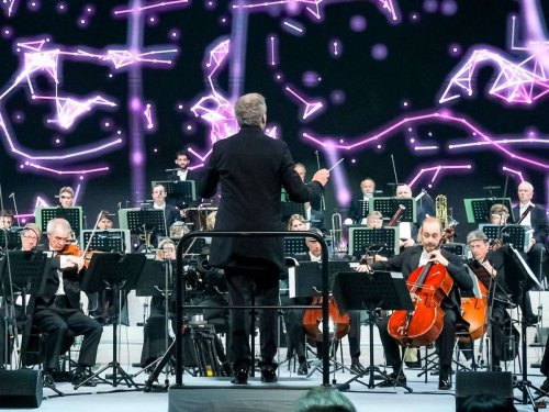 Von Künstlicher Intelligenz vollendet: Beethovens 10. Sinfonie feiert ihre Premiere in der Elbphilharmonie