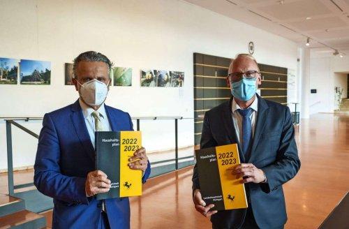 OB Nopper stellt Doppelhaushalt vor: Stuttgart muss Rücklagen auflösen