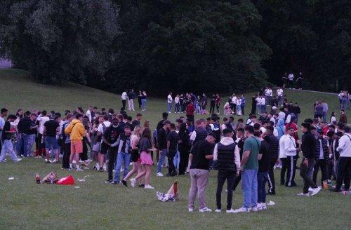 Sommerwochenende in Stuttgart: Jugendtreff am Max-Eyth-See – Polizei löst Treffen nicht auf