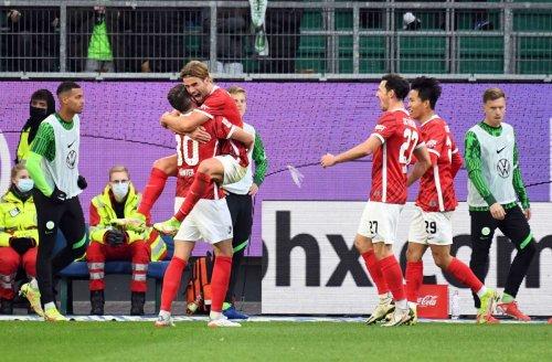 Bundesliga: Freiburg setzt sich oben fest: Sieg gegen Krisen-Wolfsburger