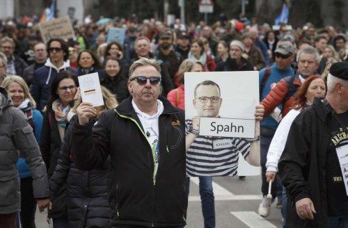 Aufarbeitung der Querdenken-Demo in Stuttgart: Rechtsgutachter der Stadt ist Befürworter von Deeskalationstaktiken