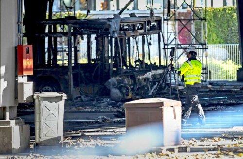 Nach Großbrand in Stuttgart: Verdächtiger Bus unter die Lupe genommen