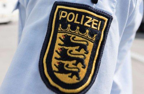 Stuttgart-Mitte: Polizisten werden bei Demo mit Flaschen beworfen