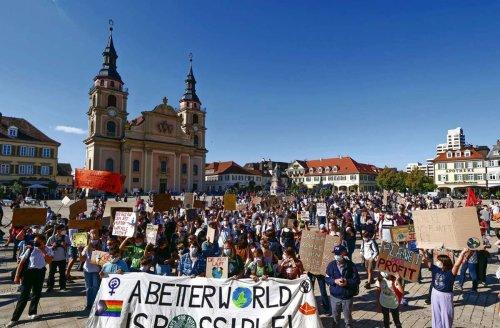 "Klima-Demo in Ludwigsburg: Demonstranten: ""wählt klimagerecht"""