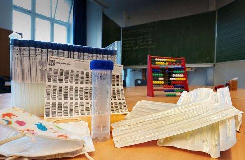 Pilotversuch in Stuttgart: Schulen steigen aus PCR-Pooltests gleich wieder aus
