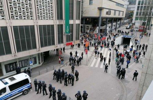 Demonstrationen in Stuttgart: So sieht die Zwischenbilanz der Polizei aus