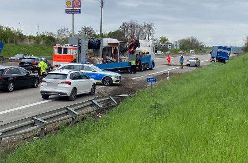 A8 bei Rutesheim: Autobahn in Richtung Stuttgart nach Unfall kurzzeitig voll gesperrt