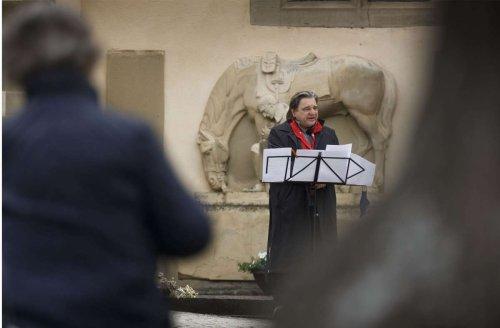 Gedenken in Kernen: Eine Friedensfeier am Kriegerdenkmal
