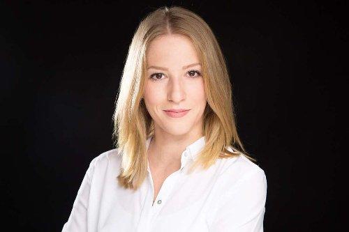 """Anzeige Daniela Flaig über die FOM: """"Das Studium war ein Meilenstein für meine Karriere"""""""