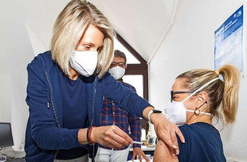 Impfgipfel im Landkreis Böblingen: Jeder Dritte im Kreis ist einmal geimpft