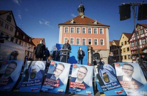 Vorfall in Schorndorf: Antifas blockieren AfD-Wahlstand