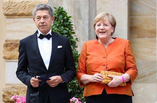 Bei Bayreuther Festspielen: Angela Merkel setzt auf Orange