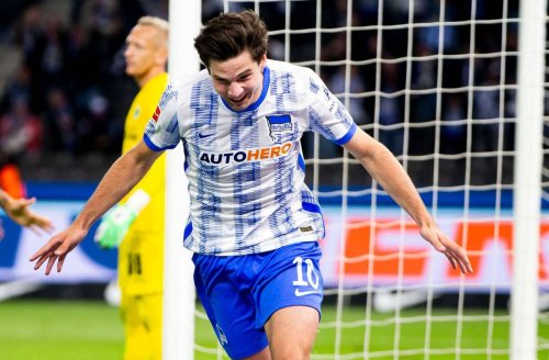 Hertha schlägt Fürth: Bundesliga-Debütant Ekkelenkamp rettet Hertha BSC