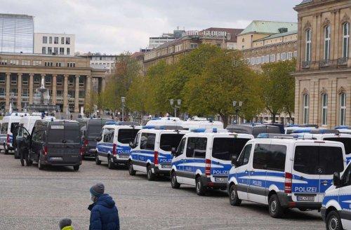 Corona-Demonstrationen in Stuttgart: Protestler vor allem am Schlossplatz und Karlsplatz