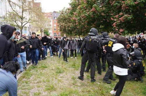 Tumultartige Szenen in Stuttgart: Stimmung auf propalästinensischer Kundgebung kippt