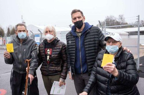 Ralf Moeller: Früherer Mr Universum begleitet Eltern zur Impfung