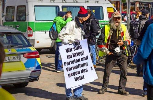 Querdenker in der Region Stuttgart: Wie gewaltbereit sind Corona-Leugner?