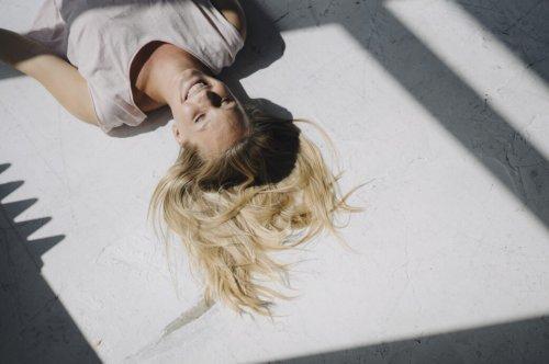 Blonde Haare natürlich aufhellen – Hausmittel im Selbsttest - STYLEBOOK