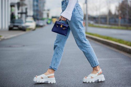 Jeans-Trends: 6 Hosen für Damen, die jetzt angesagt sind - STYLEBOOK
