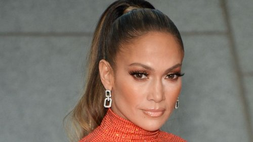 I'm Drooling Over J.Lo's Blunt Curtain Bangs