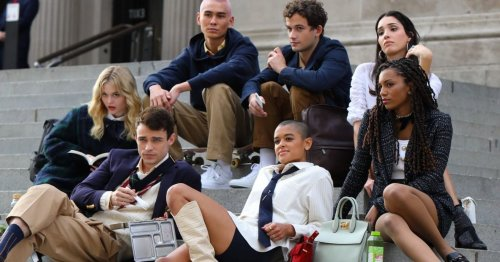 Spotted: there's some seriously fabulous fashion on the set of the Gossip Girl reboot