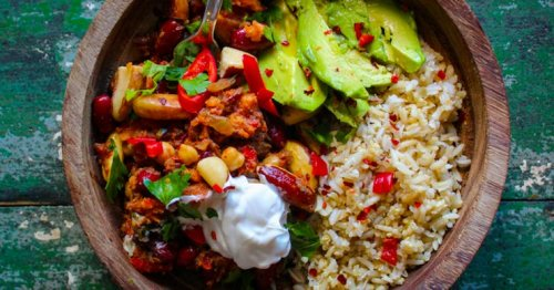 Run faster and lift heavier with this magnesium-rich vegan chilli recipe