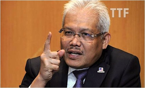 Top Malaysian Cop Accuses Home Minister of Political Spying