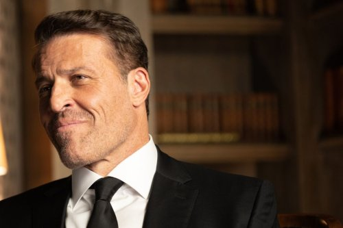 Tony Robbins Will Show You the Surest Path to Financial Independence