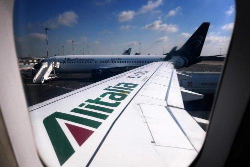 Transport aérien : en faillite, la compagnie italienne Alitalia disparaît