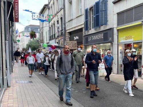 Landes : 150 manifestants contre le pass sanitaire