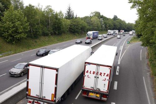 Sécurité : les poids lourds bientôt interdits de doubler sur la RN 141, entre Angoulême et la limite avec la Haute-Vienne