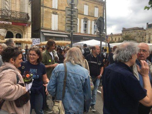 Dordogne : la Licra s'indigne du port de l'étoile jaune par des opposants au pass sanitaire