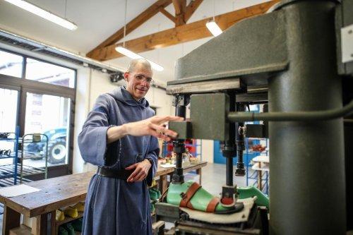 Religion : à la rencontre des moines cordonniers de Sainte-Marie-de-la-Garde