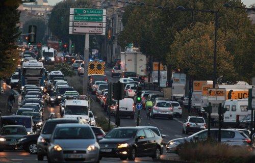 Moins d'injures et de coups de klaxon : avec la crise sanitaire, les Français sont moins nerveux au volant