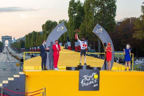 Tour de France : Julien, un homme sous les projecteurs des podiums