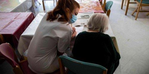 Covid-19 : la pandémie a fait empirer les discriminations liées à l'âge, alerte l'ONU