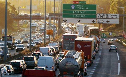 Transports à Bordeaux : la Métropole fonce-t-elle droit dans le « mur de 2030 » ?
