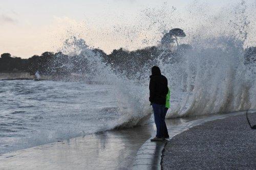 Météo : la tempête Aurore a été plus forte que prévu, Paris et le Nord-Est en vigilance orange