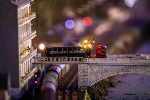 Vidéo : le superbe réalisme des trains miniatures d'une association de passionnés à Pau