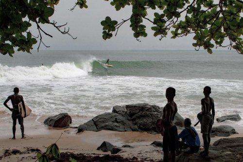 Anglet : le surfeur réalisateur Arthur Bourbon soutient la création d'un club de surf au Liberia