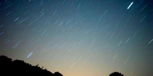 Vidéo. Une météorite atterrit sur son oreiller alors qu'elle dort, une Canadienne miraculée