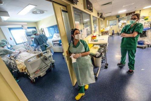 Covid-19 : entre 80 00 et 180 000 professionnels de santé décédés pendant la pandémie