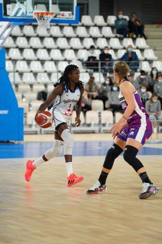 Basket-ball (LFB) : La Rochelaise Marie Mané signe à Landerneau