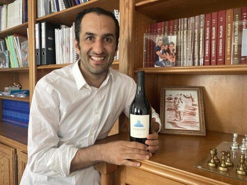 Dordogne : 559 bouteilles de vin perse produites à Bergerac, « l'acte de résistance » de Masrour Makaremi