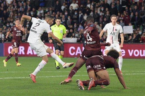 Ligue 1 : le PSG gagne sur le fil à Metz, Rennes cartonne et l'OM ralentit