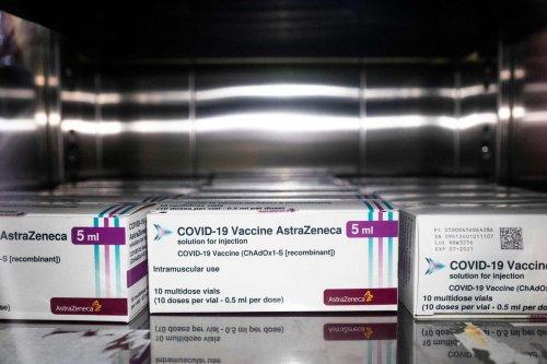 Vaccin AstraZeneca : 9 nouveaux cas de thromboses, 4 décès de plus début avril en France