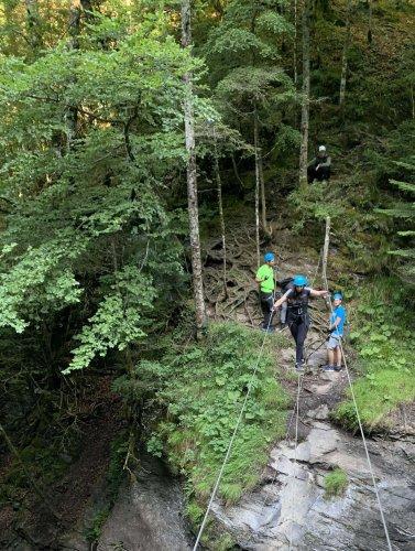 Aveyron : un garçon de 11 ans dans un état critique après une chute de 80 mètres sur une via ferrata