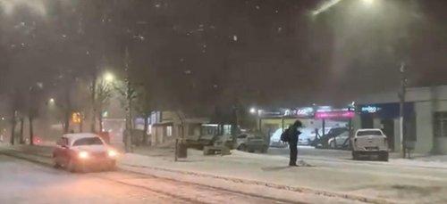 Vidéos. Une tempête de neige frappe le sud du Brésil, les habitants surpris